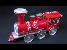 n the video, we made a Battery Operated Locomotive with soda cans and DC motor that walks on the ground. In the GuruInventus channel, we have videos of inventions, crafts and DIYs teaching how to reuse or recycle materials. Tin Can Art, Soda Can Art, Tin Art, Aluminum Can Crafts, Aluminum Cans, Metal Crafts, Recycled Toys, Upcycled Crafts, Recycled Art
