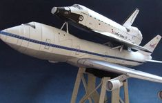 This aircraft paper model is a Boeing 747 Shuttle Carrier Aircraft (SCA), a extensively modified Boeing 747 airliner that NASA used to transport Space Shut