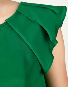 "draped sleeves tutorial (try raglan sleeve?) (цельнокроеный рукав ""крылышко""... с заложенными складками по горловине)"