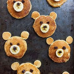 A bear-y adorable breakfast via Tag your most creative food pics with for the chance to be regrammed! Easy Healthy Recipes, Baby Food Recipes, Wine Recipes, Sweet Recipes, Healthy Foods, Cute Food, Good Food, Vegan Magazine, Kodiak Cakes