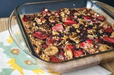 Strawberry Banana Chocolate Baked Oatmeal, 6 points plus and under 300 calories