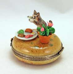 French limoges box with a cute kitty