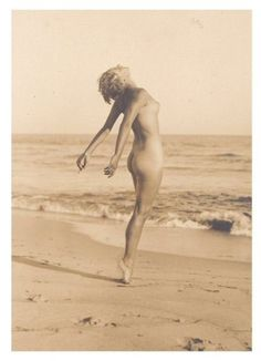 Feelin' free at the beach . not 100% sure if its marilyn