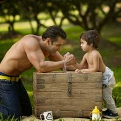 Cute Pic of Salman and his Nephew on Photoshoot for Being Human