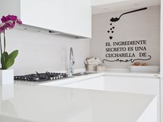 El ingrediente secreto es una chucharadita de amor Kitchen Signs, Kitchen Decor, Interior Decorating, Interior Design, Home Office Decor, Home Decor, California Homes, Small Apartments, New Homes