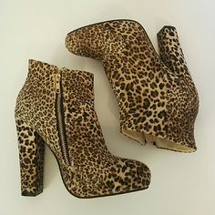 "Leopard print chunky heel ankle booties 8 Excellent condition chunky heel ankle booties by Diba. Faux suede material, fuzzy texture outer.  Gold zip up side.  Heel height 5,"" Total Height 8,"" Length 8.""   Sorry, NO TRADES!! Take 15% off bundles of 2 or more items! Diba Shoes Ankle Boots & Booties"