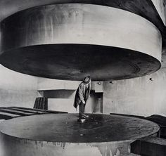 polychroniadis:  Atom smasher at University of Chicago, 1948.