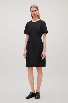 PLEATED-WAIST DRESS - Black - Dresses - COS PL