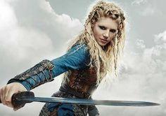 Lagertha ♥ Lagertha Lothbrok, Vikings Lagertha, Vikings Tv Series, Vikings Tv Show, Katheryn Winnick Vikings, Female Knight, Lady Knight, Viking Series, Viking Costume