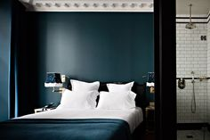 Interiors Trends 2017 Hôtel Providence Paris Hotel Providence in Paris Hotel Paris, Paris Hotels, Blue Bedroom, Home Decor Bedroom, Master Bedroom, Hotel Providence Paris, Velvet Goldmine, Miramonti Boutique Hotel, Bungalows