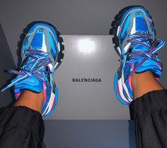 Jordan Shoes Girls, Girls Shoes, Cute Sneakers, Shoes Sneakers, Sneakers Fashion, Fashion Shoes, Balenciaga Sneakers, Aesthetic Shoes, Fresh Shoes