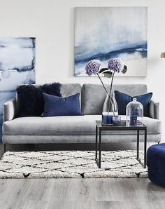 The sofa with instant glam effect! With the trendy velvet sofa Fluente you transform every living room into a salon. Combined with a Beni Ourain rug and accessories in the trendy Navy, the velvet sofa Navy Living Rooms, Blue Living Room Decor, Elegant Living Room, New Living Room, Living Room Sofa, Home And Living, Living Room Designs, Navy Blue And Grey Living Room, Living Room Accent Chairs