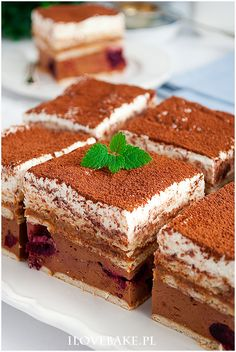 Czekoladowa krówka z wiśniami No Bake Desserts, Bon Appetit, Ale, Cheesecake, Deserts, Sweets, Ethnic Recipes, Kitchen, Bakken