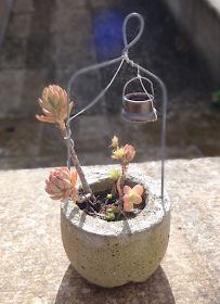 Ovillo de Eli: Pequeñas Macetas de Cemento Diy Concrete Planters, Concrete Art, My Wedding Planner, Painted Flower Pots, Moss Garden, Cement Crafts, Garden Deco, Porch Decorating, Garden Design