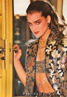 Brooke Shields for Harper's Bazaar Italia, Brooke Shields Pretty Baby, Brooke Shields Young, Beautiful People, Beautiful Women, Original Supermodels, Farrah Fawcett, Celebs, Celebrities, Vintage Hollywood