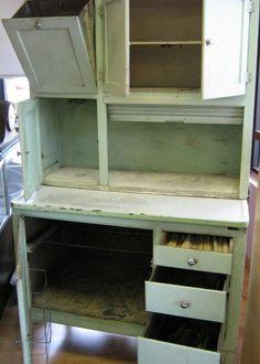 vintage hoosier cabinets | GREEN HOOSIER CABINET BAKING HUTCH : Lot 37260