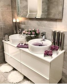 The most popular bathroom design ideas and trends for 2019 - Page 2 of 37 - HomeDecores - Haus - Badezimmer Bathroom Decor Sets, Bathroom Goals, Small Bathroom, Bathroom Ideas, Bathroom Designs, Bathroom Flowers, Bathroom Inspo, White Bathroom, Dream Bathrooms