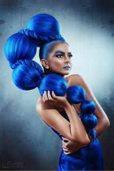I'd like to figure out how to make a headpiece like this. #blue #headpieces #creative #fashion #art #inspiration