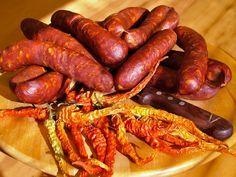 <3 <3 <3 klobásky,údenie,výroba,domáca,trvanlivá,sviatočná,jelenia,Sausage,Wurst Ham, Meat Products, Smokehouse, Sausages, Food, Hams, Essen, Sausage, Meals