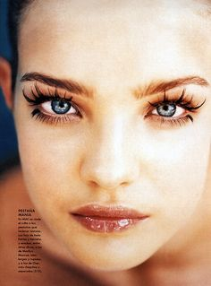 eyelashes soooo cool! Makes her look like she just got out of water!