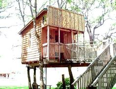 What is the Treeloon? It is a treehouse that looks like an old west style Saloon in front, complete with swinging door in entryway. Sleeps up to 4 comfortably.