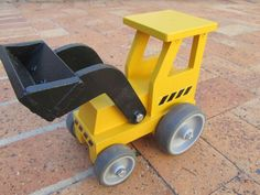 Digger. Find it at Spannerz Wooden Toys, Cape Town, South Africa. www.spannerz.co.za