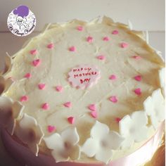 From the Mother's Day archives.. Got lost in the madness!! #lemoncake for a very very special mommy!! #mothersday #moms #mommylove #flowers #hearts #daughters #lemoncurd #hydrangea #flowertiara #sugarflowers #designercake #customisedcake #atyummy #nofondant