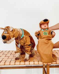 My baby Scooby Doo's! Neither of them loved their costumes 😂 Aspyn And Parker, Childrens Halloween Costumes, Taytum And Oakley, Luca And Grae, Aspyn Ovard, Baby Fever, Cool Kids, Scooby Doo, Cute