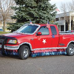 Use our affordable patriotic truck parade kit to quickly transform your vehicle into a patriotic float. 4th Of July Parade, Fourth Of July, Fashion Kids, Homecoming Parade, Homecoming Floats, Homecoming Week, Prom, Christmas Parade Floats, Fifties Party
