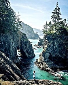 Brookings, Oregon - looks like beautiful place to hike! Brookings, Oregon - looks like beautiful place to hike! Oh The Places You'll Go, Places To Travel, Travel Destinations, Places To Visit, Oregon Travel, Travel Usa, Oregon Coast Roadtrip, Travel Tips, Oregon Vacation
