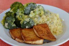 Zu Mittag wurde bei Avilia von ihrer Mama Broccoli mit einer Salbeisahnesauce, Reis und Tofu aufgetischt.