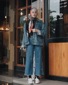Hijab Teenage Outfit Shirt 2018 pallazo longclothes cullotes dark blue denim jacket long mangset so Modern Hijab Fashion, Street Hijab Fashion, Hijab Fashion Inspiration, Muslim Fashion, Trendy Fashion, Trendy Style, Style Inspiration, Hijab Style, Casual Hijab Outfit