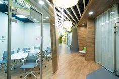 Silla Setu de Herman Miller en las oficinas de Yandex en San Petesburgo proyectadas por Za Bor Architects www.modusistema.com