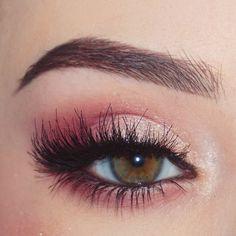 Eye make-up… - beauty - Delicate Fuchsia Pink 6 champagne shimmers. Eye make up … - Delicate Fuchsia Pink 6 champagne shimmers. Eye make-up… - beauty - Delic. Natural Eye Makeup, Eye Makeup Tips, Smokey Eye Makeup, Makeup Inspo, Eyeshadow Makeup, Makeup Brushes, Makeup Ideas, Natural Lashes, Pink Smokey Eye