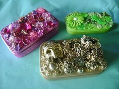 Diy jewelry box ideas altoids tins 34 New ideas Altered Tins, Altered Bottles, Altered Books, Jewelry Crafts, Jewelry Art, Geek Jewelry, Gothic Jewelry, Jewelry Necklaces, Jars