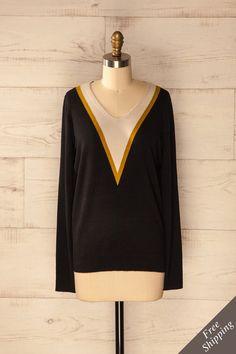Chandail à manches longues noir à encolure géométrique - Geometric neckline black sweater