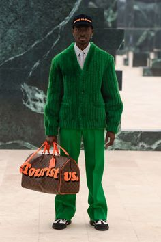 Dope Outfits, Fashion Outfits, Fashionable Outfits, Fashion News, Mens Fashion, High Fashion, Mens Fall, Green Fashion, Looks Cool