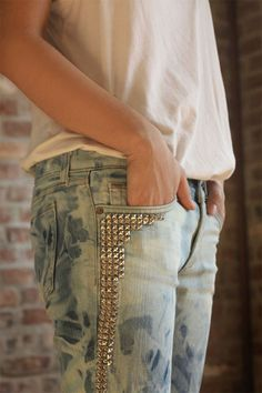 Studs: my friend Savanna should make these
