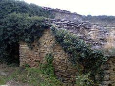 Pueblos deshabitados: El Meüll #pallarsjussa #despoblats #pueblosabandonados forn comunal