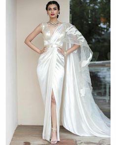 Indian Fashion Dresses, Dress Indian Style, Indian Gowns, Indian Designer Outfits, Indian Attire, India Fashion, Fashion Outfits, Indian Bridesmaid Dresses, Indian Wedding Outfits