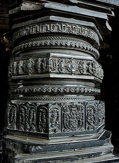 Carved pillar in Thoousand Pillar Temple - Culture of Telangana - Wikipedia, the free encyclopedia Indian Temple Architecture, India Architecture, Ancient Architecture, Beautiful Architecture, Gothic Architecture, Temple India, Hindu Temple, Stone Pillars, Stone Carving