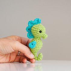 Mesmerizing Crochet an Amigurumi Rabbit Ideas. Lovely Crochet an Amigurumi Rabbit Ideas. Crochet Keychain Pattern, Crochet Amigurumi Free Patterns, Crochet Toys, Free Crochet, Basic Crochet Stitches, Crochet Basics, Tunisian Crochet, Crochet Phone Cases, Polly Pocket