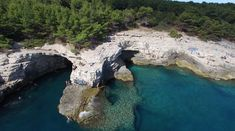 Cliff Jumping at Galebove Stijene – Pula, Croatia Pula, Croatia is one of the most gorgeous cities in the world. It has more beaches than you could possibly visit and believe me- you'll want to visit them all. In my opinion, the best one for cliff jumping is located about 12 minutes outside the city at a …