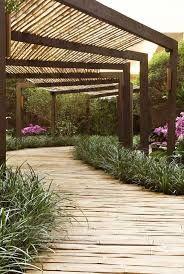 ombrage pergola bois bambou