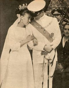Wedding of Princess Claudia of France and Prince Amedeo di Savoia- Aosta. Even though they were divorced after 30 years of marriage, they look so in love in this picture!