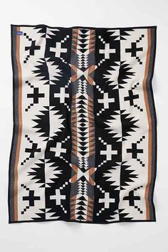 Pendleton Spider Rock Throw Blanket // this pattern is my favorite ! Textiles, Southwest Decor, Surface Design, Modelos Fashion, Wall Carpet, Hostess Gifts, Wool Blanket, Home Accessories, Scrappy Quilts