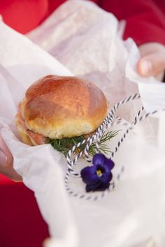 Spring Picnic // Brioche with salmon and dill Salad In A Jar, Garden Parties, Quiches, Receptions, Salmon, Grilling, Picnic, Sandwiches, Good Food