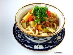 узбекская кухня Лагман А если точнее, то - ташкентский, потому-что в ферганской долине, например, добавляют траву джамбул, а в ошской области джусай.