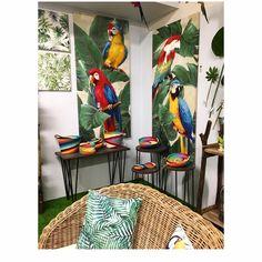 #vacchetti #vacchettispa #giungla #jungle #estate2018 #colorgarden #pappagalli #pappagallicolorati #anteprima2018 #newseason #newcollection #parrot #parrots #estivo #instadecor #tropical #tropicalstyle #trees #exotic #quadro #quadrocolorato #quadropappagalli