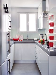 Make you confused choosing a minimalist kitchen design to fill your dream home. Here we share tips & tricks and inspiration minimalist kitchen ideas that suits your style. Small Modern Kitchens, Small U Shaped Kitchens, Home Kitchens, Kitchen Layout, Kitchen Decor, Kitchen Ideas, Kitchen Designs, Ikea Kitchen, Minimalist Kitchen